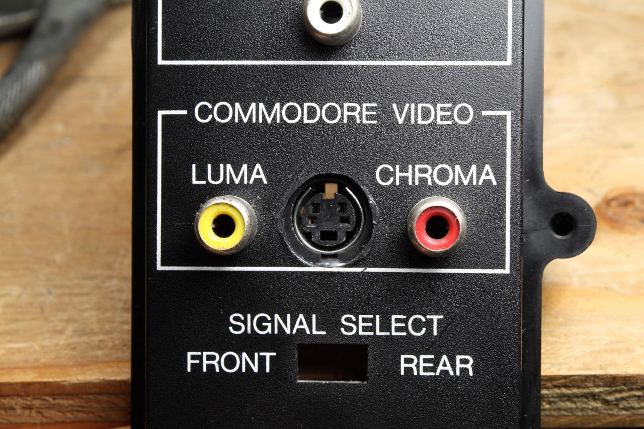 Commodore 1702